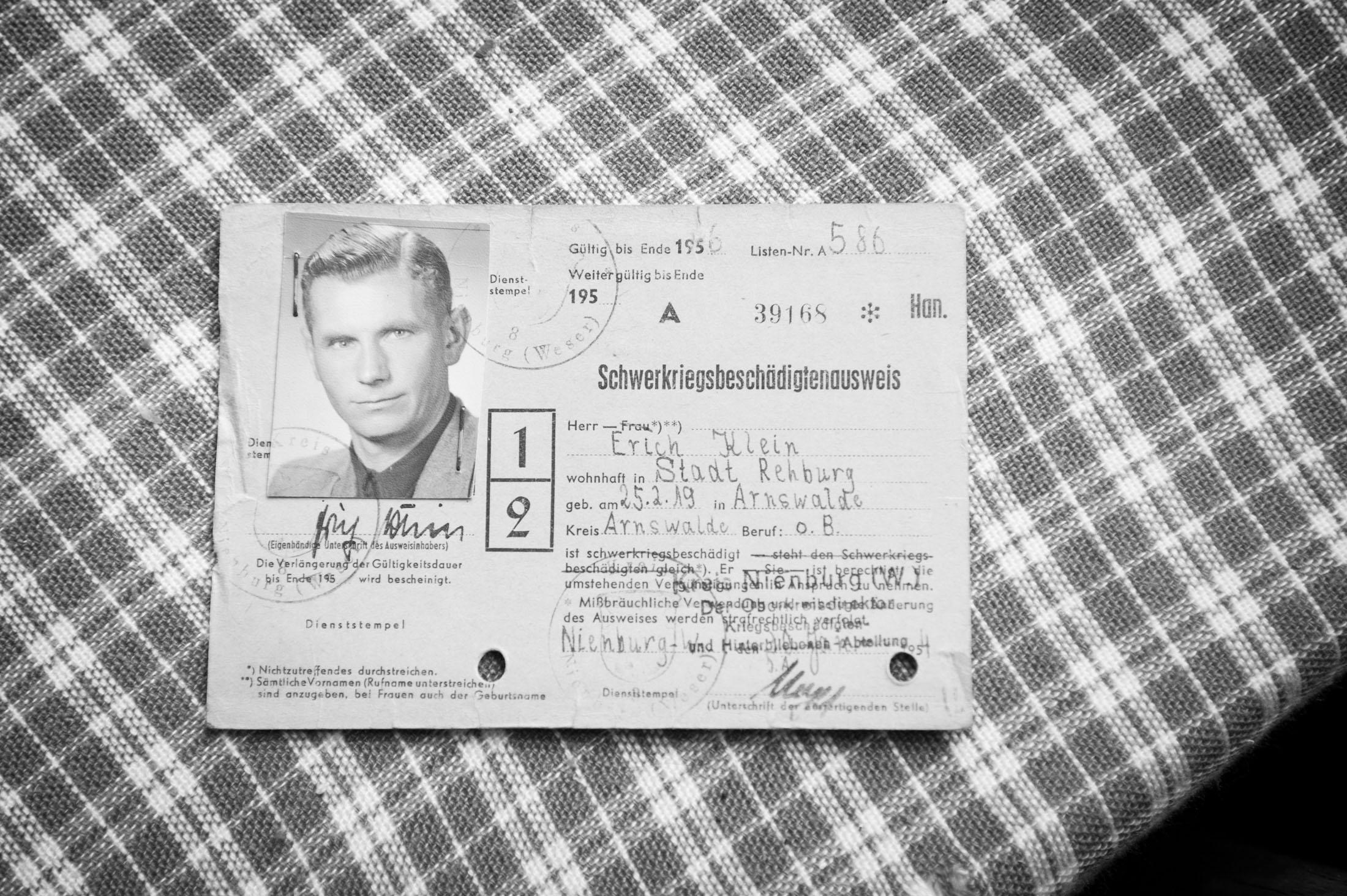 Document certifying Erich Klein's severe war disabilities (1956)